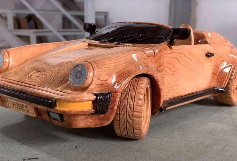 Homem produz Porsche 911 Speedster 1989 de madeira