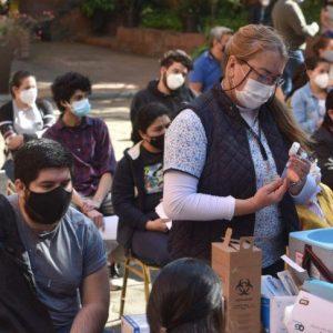 Salud celebra los 50.000 vacunados en un día laboral contra el Covid-19