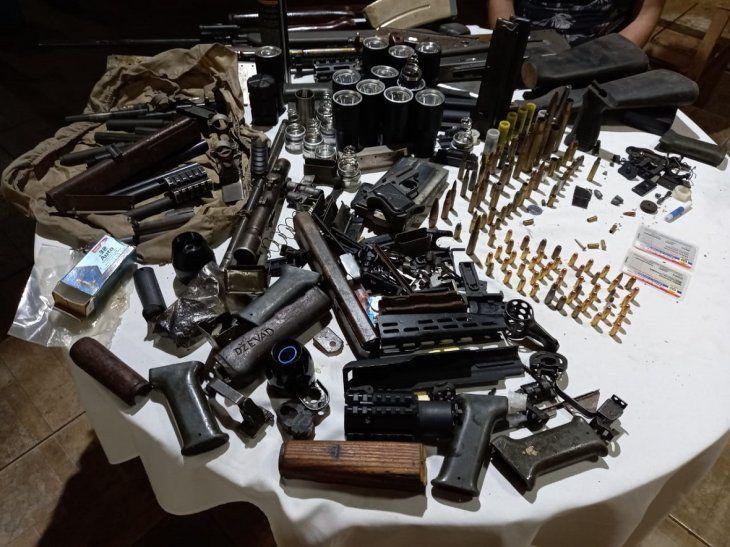 Incautan gran cantidad de armamentos y proyectiles en vivienda de PJC
