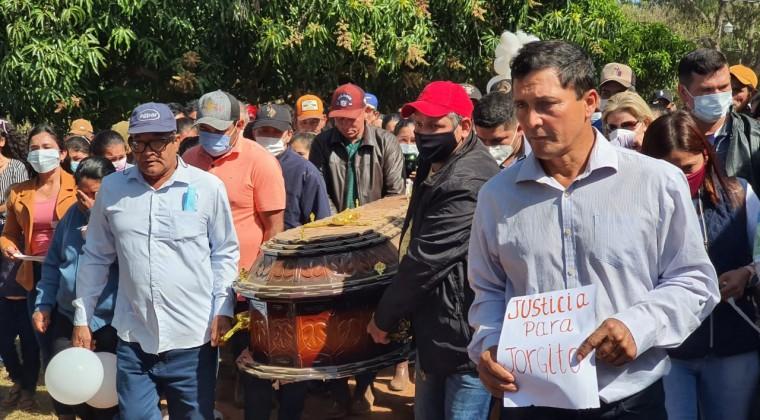 En medio de mucho dolor e impotencia despiden a Jorgito en Puentesiño