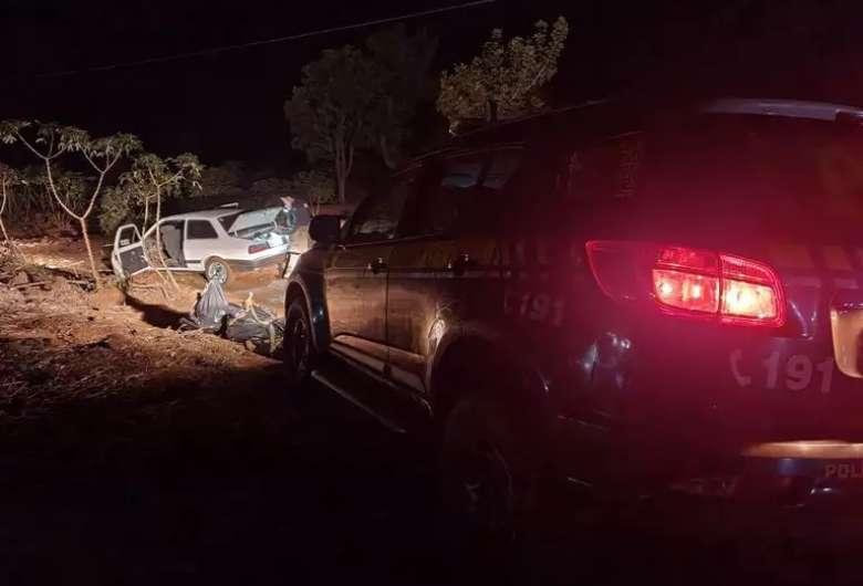 Traficante abandona veículo com 198 quilos de maconha na BR-267