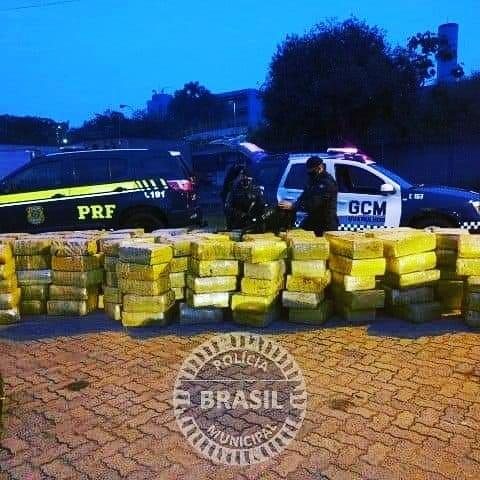 Guarulhos SP.PRF encontra 5 toneladas de drogas em caminhão na Dutra