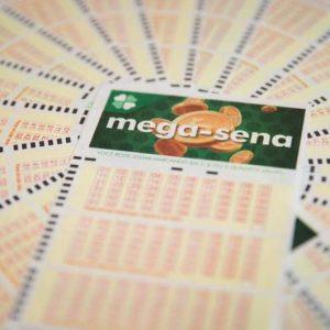 Mega-Sena pode pagar prêmio de R$ 65 milhões nesta quarta-feira