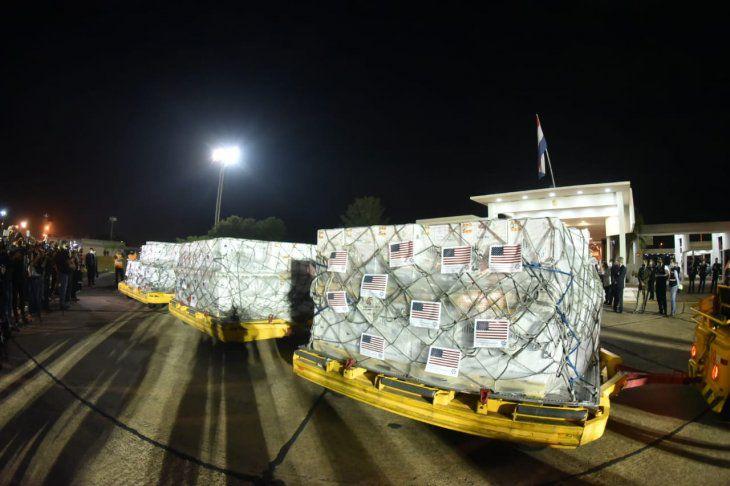 El viernes llegan 34.000 dosis de Pfizer compradas por el Gobierno