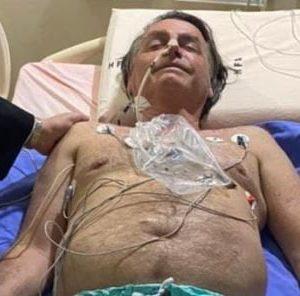 Internado, Bolsonaro agradece orações e relembra facada sofrida em 2018