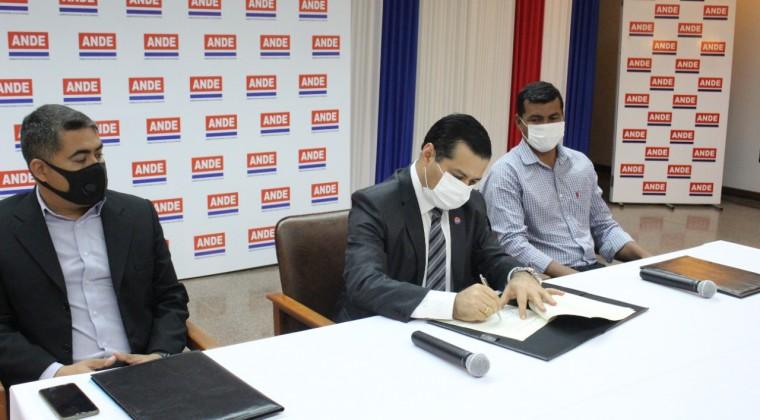 ANDE anuncia la construcción de la primera planta de energía solar en el Chaco