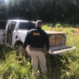 Motorista foge da polícia e abandona caminhonete com quase 2t de maconha