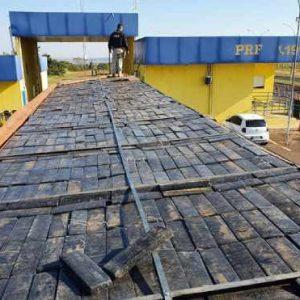 Caminhoneiro é preso com quase 2 toneladas de maconha a caminho de São Paulo