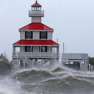 Furacão Ida: tempestade atinge os EUA com ventos de 240 km/h e potencial 'catastrófico'