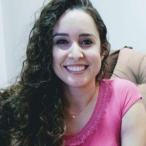 Professora de Paranhos apresenta pesquisa no International Paris Conference on Social Sciences