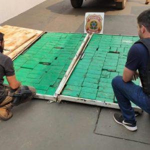 Caminhoneiro que viajava com esposa e filha é preso pela PF com cocaína