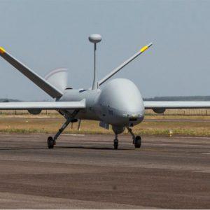 Força Aérea controla via satélite o voo de uma aeronave de vigilância do Brasil