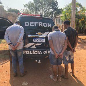 Fronteira-DEFRON, apreende 5 quilos kg de cocaína e efetua a prisão de 03 pessoas em Mundo Novo