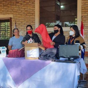 Mujeres y productores de Canindeyú iniciaron cursos en confección, peluquería e informática