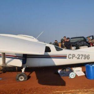 Senad incauta avioneta en pista clandestina y detiene a seis personas en Alto Paraná