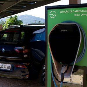BMW Brasil cria carregador para carros elétricos abastecido com energia solar
