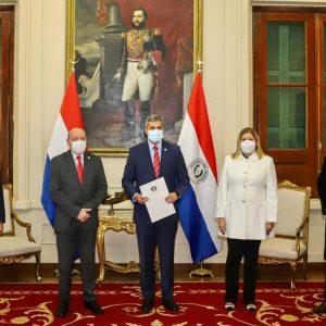 Estado paraguayo recibe como propios 15 inmuebles incautados del crimen organizado