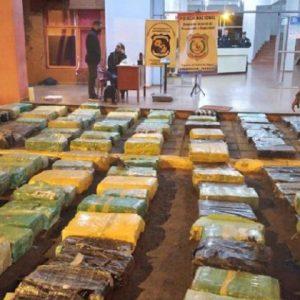 Queman 14 toneladas de marihuana incautada en Coronel Bogado