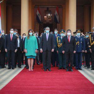 Jefe de Estado y miembros de gabinete participan de homenaje por los 484 años de la fundación de Asunción