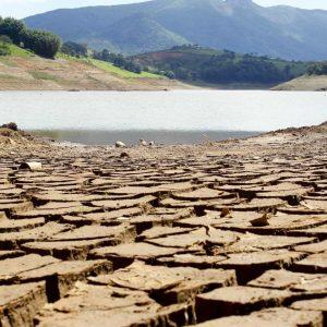 Em meio à crise hídrica, governo omite índice de risco de novo racionamento