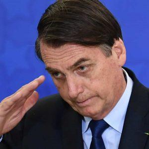 Bolsonaro pede para Exército matricular filha em colégio militar sem passar por processo seletivo