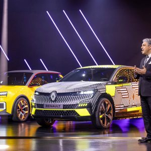 Renault planea recortar otros 2.000 empleos en Francia: adiós ingenieros, hola expertos en química de baterías