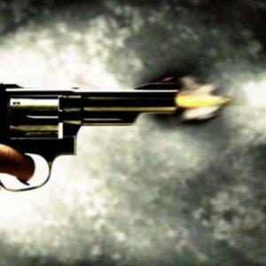 Atacan a balazos a un hombre y una mujer en la vía pública