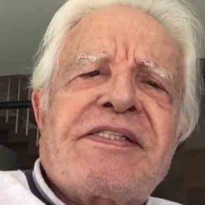 Cid Moreira faz 94 anos e manda recado para novatos: 'me responsabilizo'