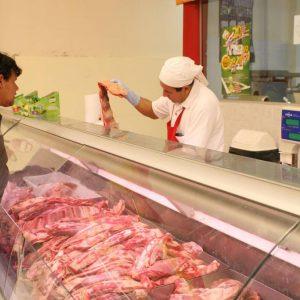 """Supermercadistas hacen """"ofertas como nunca antes"""" para paliar suba de precios"""