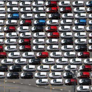 No pior agosto em 16 anos, vendas de veículos caem 5,8%, revela Fenabrave