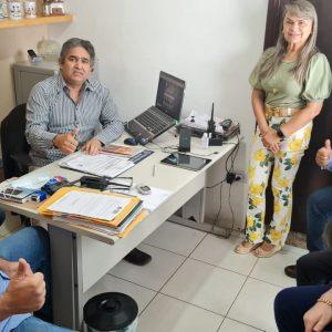 VEREADORES SE REÚNEM COM SECRETARIO DE SEGURANCA PARA TRATAR A EMERGÊNCIA
